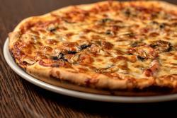 https://pizzacasaluigi.hu/media_ws/10000/2007/idx/capricciosa.jpg