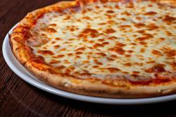 https://pizzacasaluigi.hu/media_ws/10000/2027/idx/prosciutto.jpg