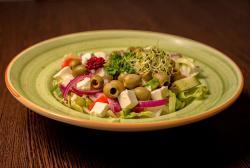 https://pizzacasaluigi.hu/media_ws/10000/2051/idx/gorog-salata.jpg